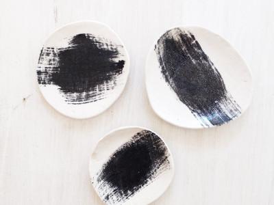 brush-black-salt